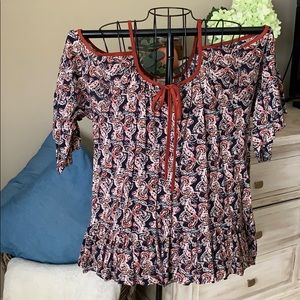Navy and maroon cold shoulder top size Medium